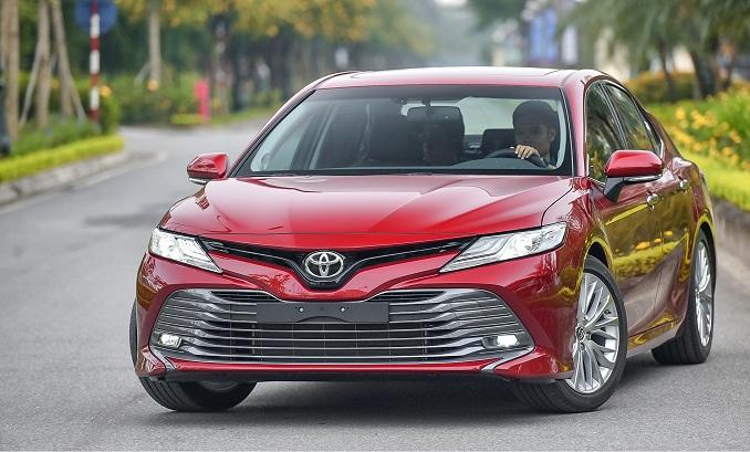Đầu xe Toyota Camry 2019 thiết kế mới cuồn hút hơn