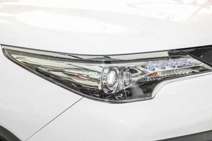 Đèn xe Toyota fortuner 2020 phiên bản nhập khẩu