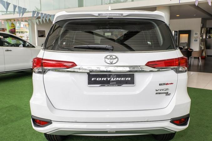 Phía đuôi xe, được thiết kế bật lên vẻ năng động, phóng khoáng