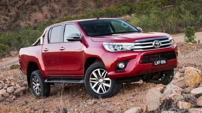 Toyota Hilux 2020 xe bán tải mạnh mẽ